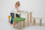 "Kindertisch und -hocker ""start up"""