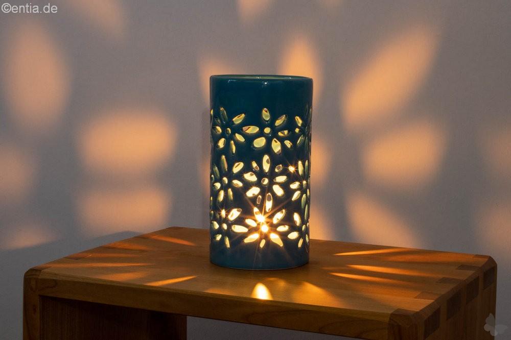 Windlicht mit floralem Muster, pfauenblau