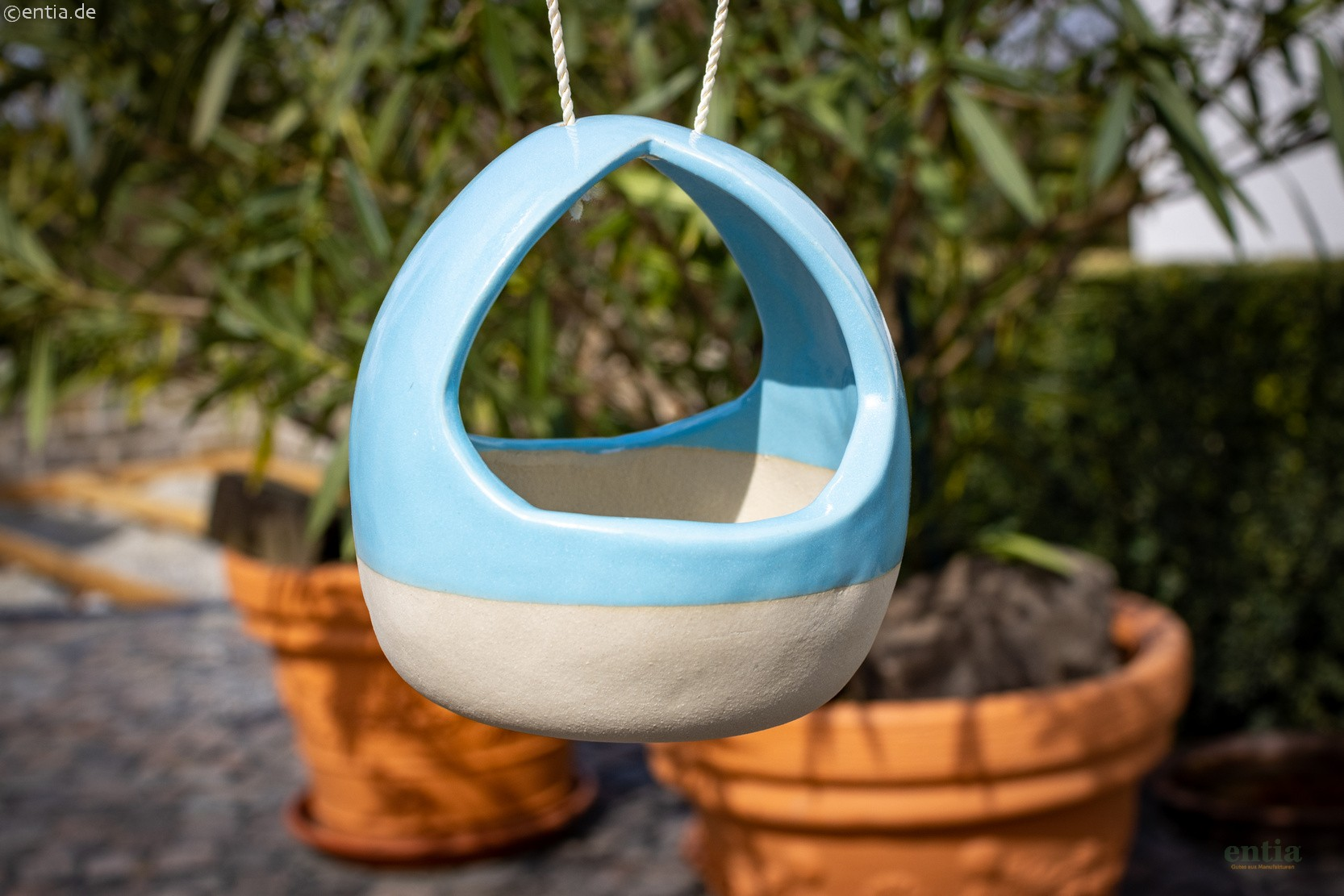 Vogeltränke aus Keramik, himmelblau / natur