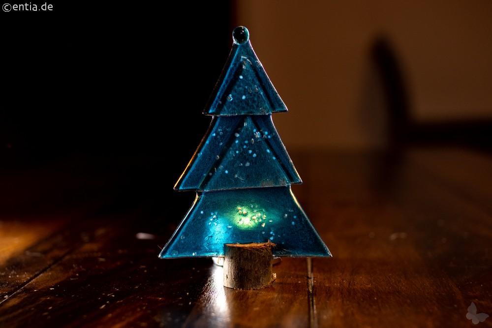 Weihnachtsdeko Kleine Tischtanne aus aquamarin Glas