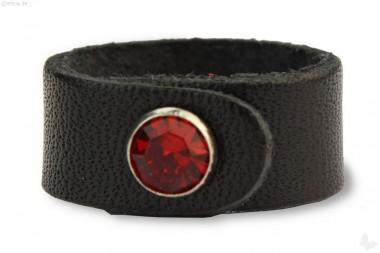 Lederring schwarz mit rotem Stein, 18/19mm
