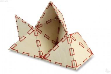Viel-Falter, Birkenholz, mit roter Kordel