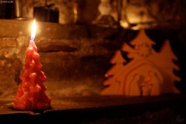 Tannenbaum-Kerze,rot, marmoriert