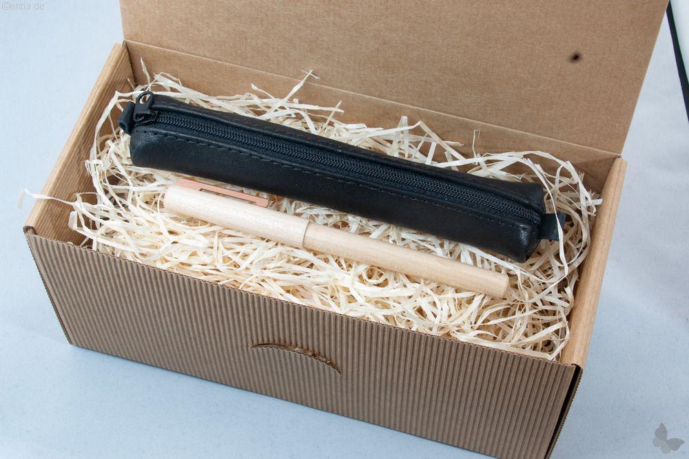 Geschenkset: Ahorn-Füller mit schwarzem Lederetui