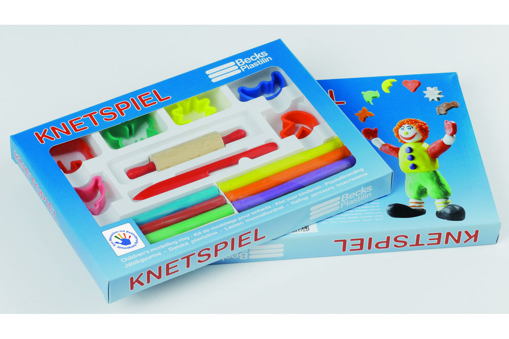 Knetspiel mit Teigroller