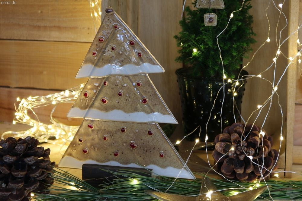 Weihnachtsdeko Für Gastronomie.Weihnachtsdeko Tischtanne Aus Sandfarbenem Glas Nachhaltiges Aus
