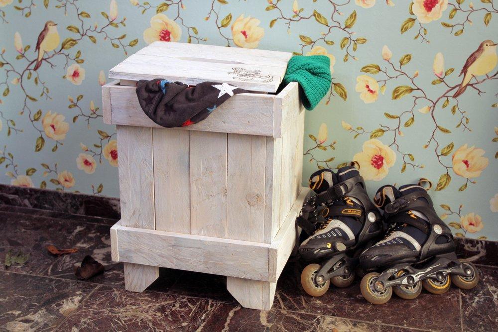 hocker niehl hafenbrautwei nachhaltiges aus sozialen manufakturen. Black Bedroom Furniture Sets. Home Design Ideas